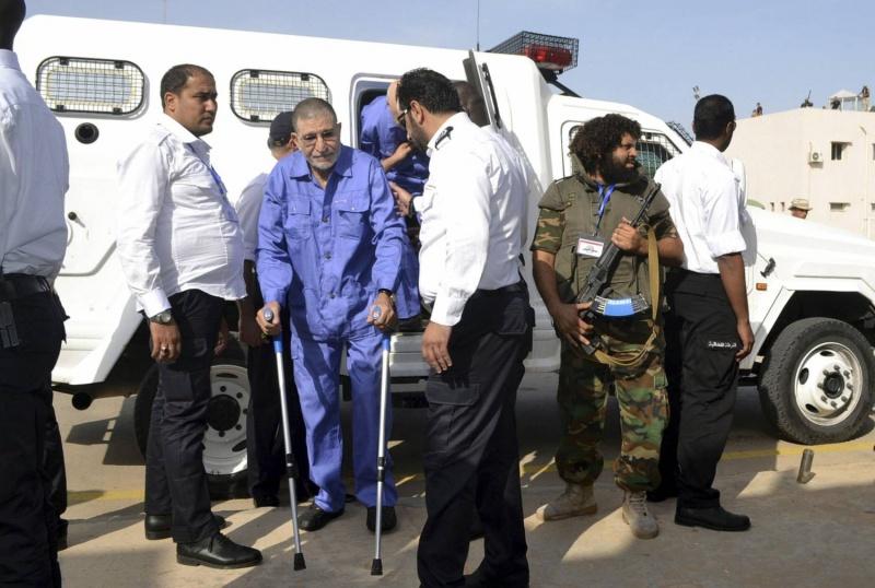 مفاوضات سرية تقود إلى إطلاق سراح أبوزيد دوردة أبرز قيادات عهد القذافي