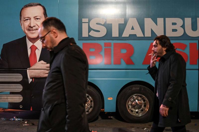 أردوغان يفتعل قضية مع الإمارات للتنفيس عن أزمته