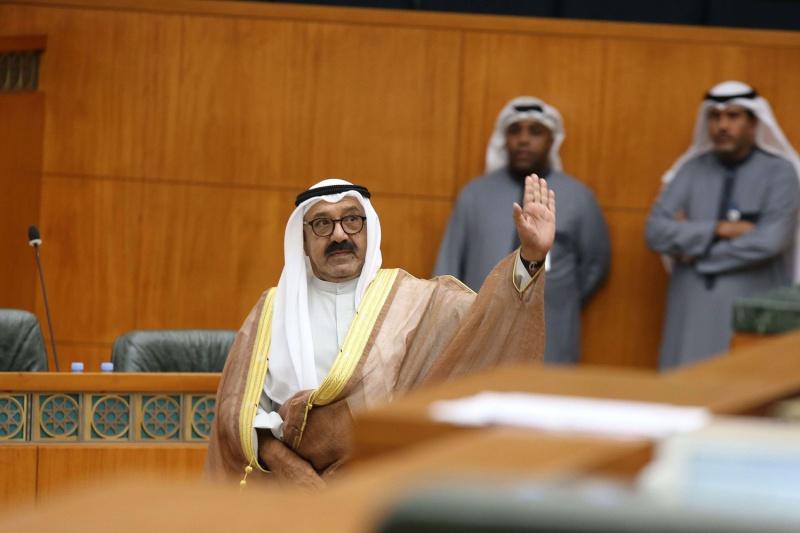 استجوابات تكشف صراع شيوخ في الكويت يستهدف دفع ناصر الأحمد إلى الواجهة