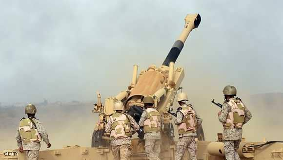 القوات السعودية تعترض صاروخا في سماء الرياض