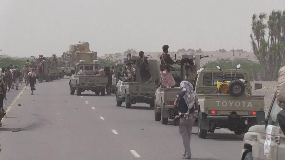 تعزيزات للجيش اليمني في الحديدة.. وتأمين خطوط الإمداد