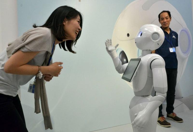 البوح لروبوت بدل الأصدقاء لحل المشكلات الشخصية