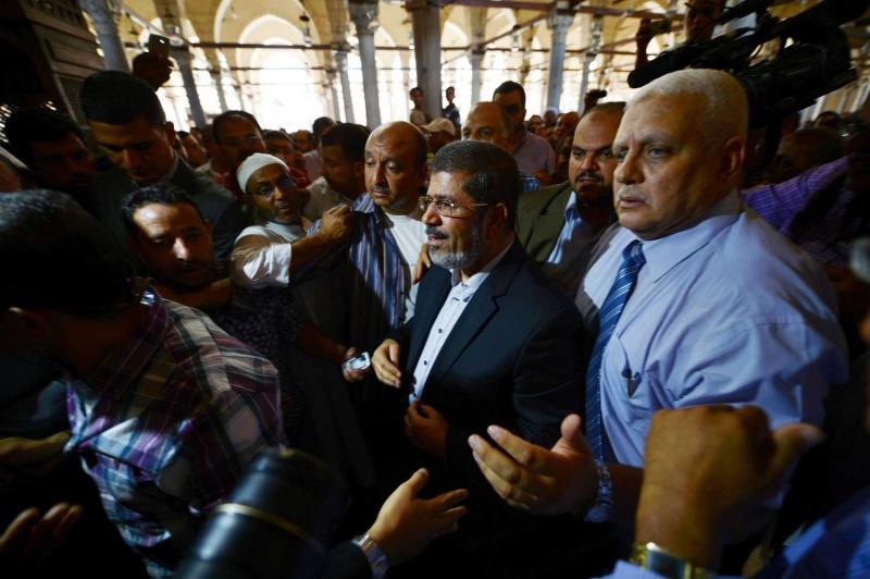 وفاة الرئيس المصري المعزول محمد مرسي داخل المحكمة