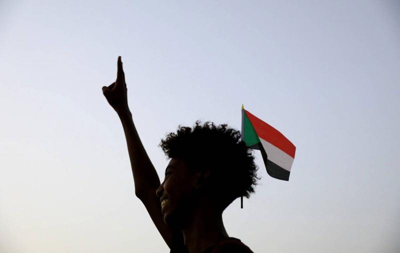 آمال السودانيين معلقة على جهود ما قبل مسيرات 30 يونيو