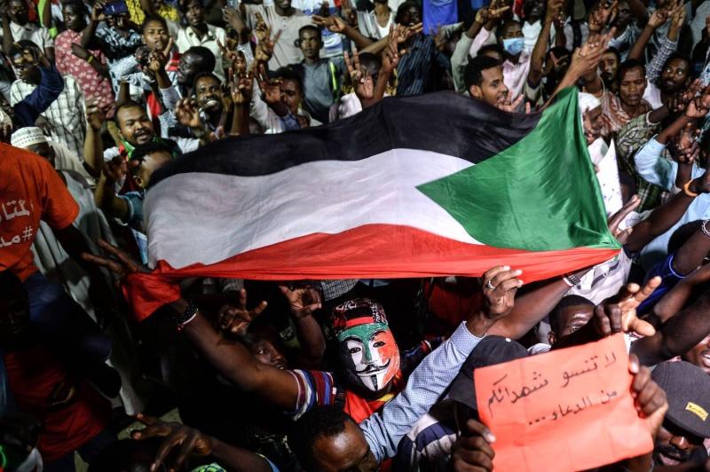 إصرار المدنيين على احتكار السلطة في السودان ثغرة يحاول الإسلاميون استغلالها