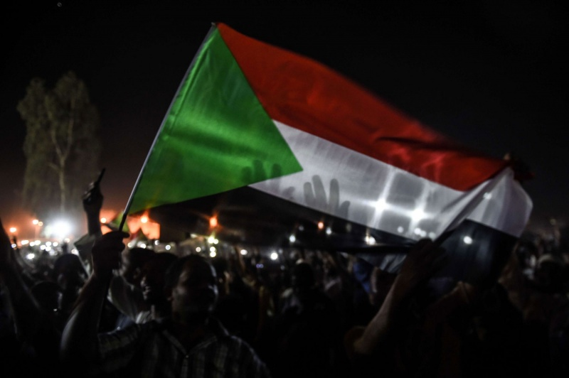 أزمة ثقة بين المدنيين والعسكريين في السودان