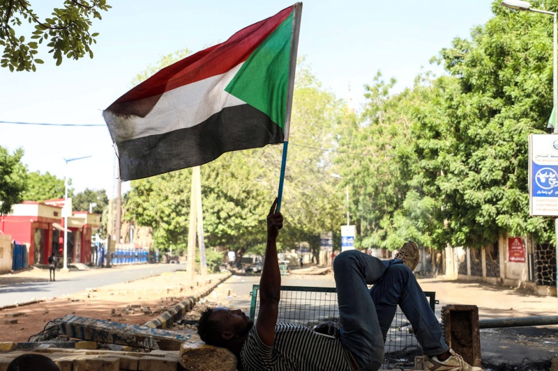 الضغوط الخارجية تعيد فرقاء الأزمة السودانية إلى طاولة المفاوضات