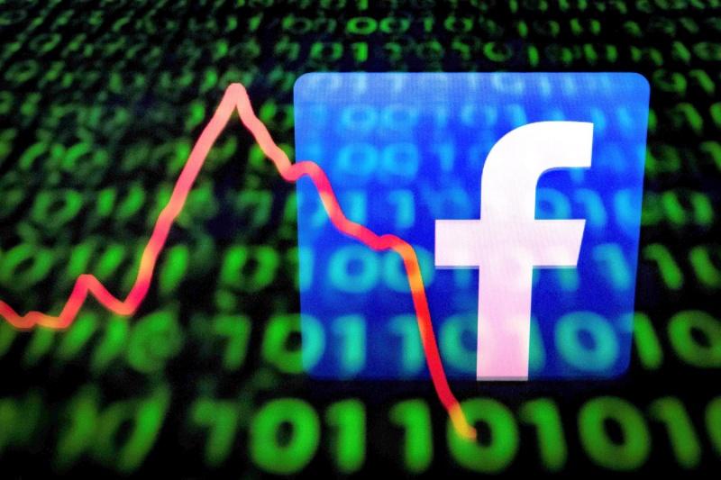 فيسبوك تجعل التعاملات المالية بسهولة تبادل الرسائل النصية